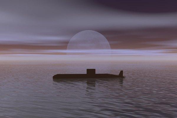 Haz una réplica de un submarino con una botella de agua.