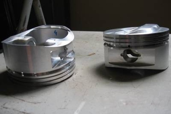 Chevy Small Block V8 Pistons