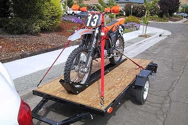Strap Down a Motorcycle to a Trailer