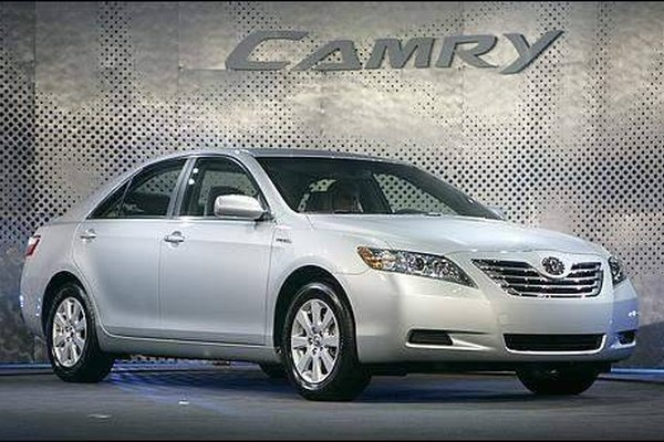 Replace a Toyota Camry Battery Cable