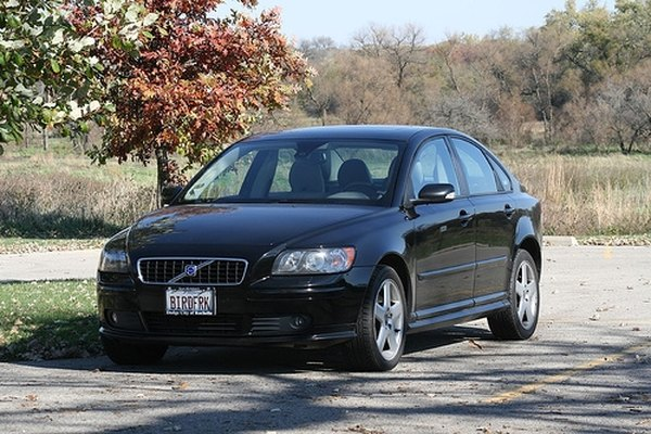 Volvo S40 Maintenance | It Still Runs