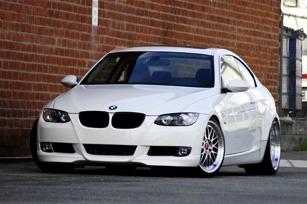 BMW I Problems It Still Runs Your Ultimate Older Auto Resource - Bmw 335i pictures