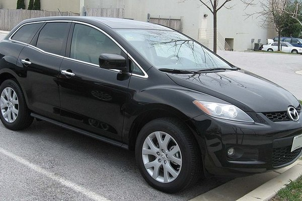 Nissan Rogue Vs Mazda Cx 7 It Still Runs