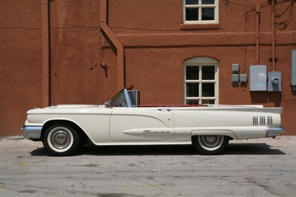 The 352-cubic inch engine powered the 1960 Ford Thunderbird.