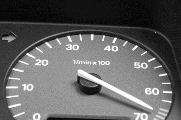 Your engine oil indicator should flash on your dashboard when it's time to change the oil.
