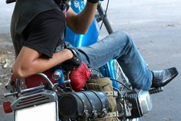 Make your Harley exhaust sound big and rough by following a simple procedure.
