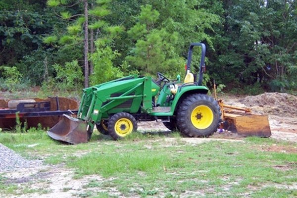 John Deere recommends that the transmission oil is changed after every 1,500 hours of use.