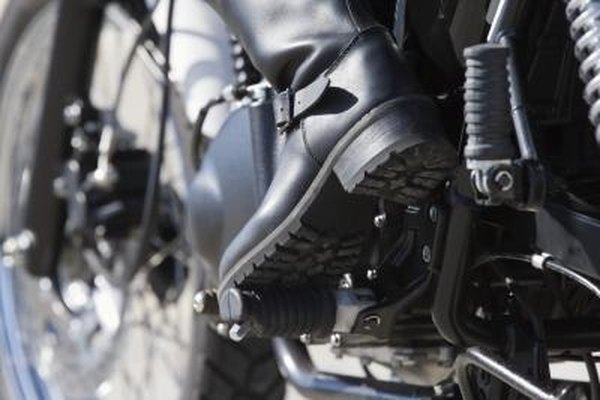 The shock preload on the Suzuki Intruder is adjustable according to riding conditions.