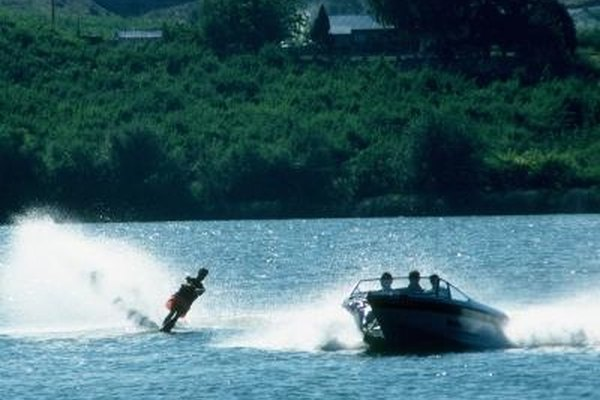 What Causes an Inboard/Outboard Motor to Overheat? | It