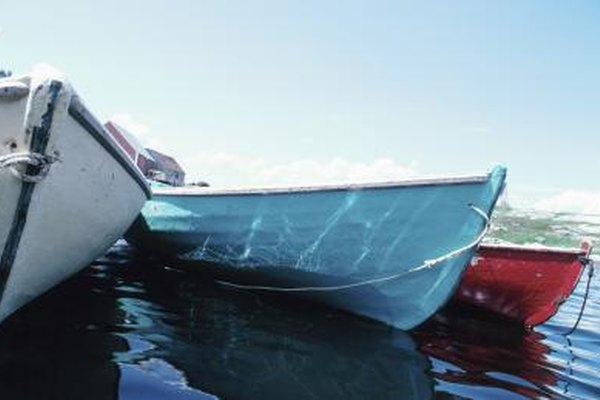 Your boat's hull should only look colored if you painted it.