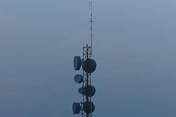 The wireless antennae in various consumer devices are usually just scaled down versions of the antennae that are used to transmit radio wave signals.