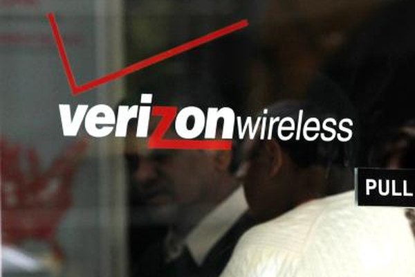 Verizon prepaid phone service does not require a contract or deposit.