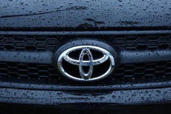 Toyota Corolla Front Bumper Removal   It Still Runs