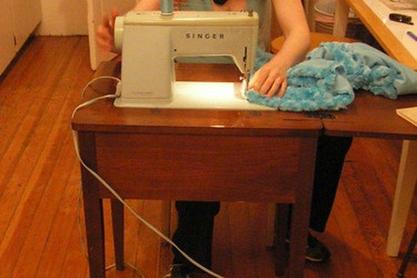 Máquina de coser de gabinete.