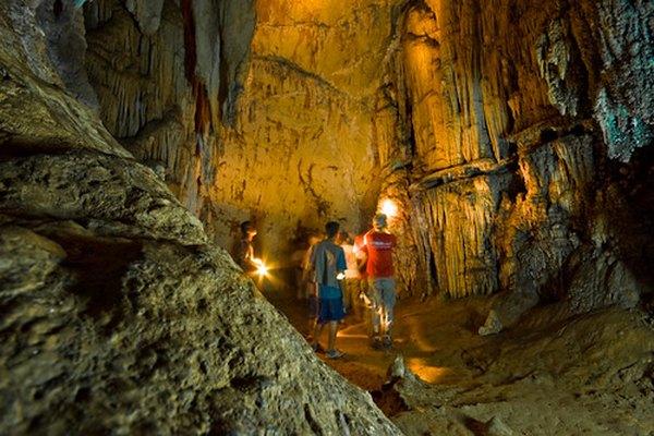 Cueva formada por la erosión.