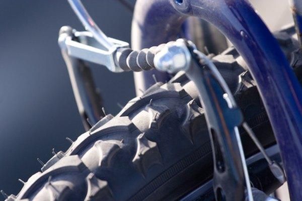 Al igual que los dinamos de propulsión de rueda, los dinamos de viento pueden montarse sobre la rueda de la bicicleta.
