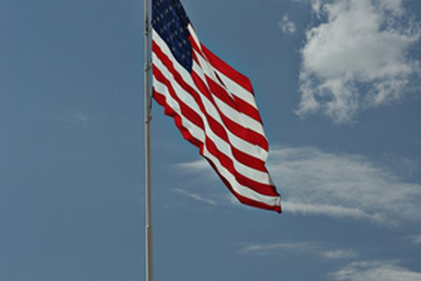 Colocarla de forma inadecuada puede acortar la vida de una bandera.