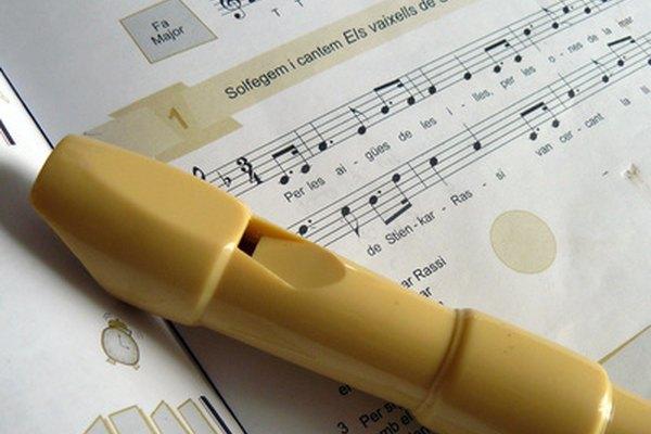 La flauta es un instrumento de viento que requiere una buena postura corporal para dominar la técnica de la respiración.
