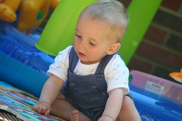 Los juguetes y equipo para los niños son un gasto de una guardería.