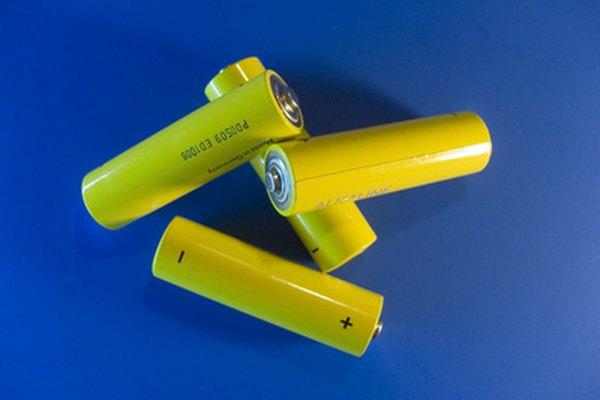 Las pilas húmedas y las pilas secas son dos tipos distintos de baterías.