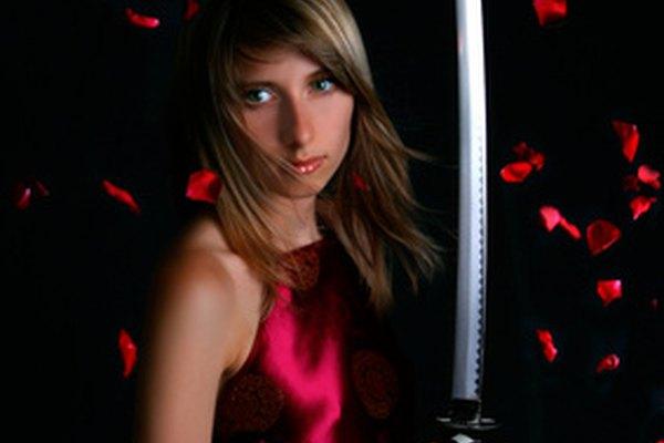 Ve al circuito de Ferias Renacentistas si sabes cómo hacer espadas medievales con tu torno.