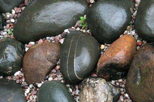 La piedra le da un aspecto bello a las calzadas, los caminos de entrada, las escaleras, los patios o frentes de las casas.