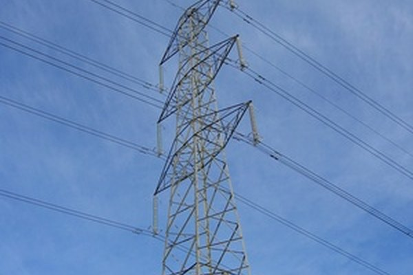 Las líneas eléctricas son una parte integral de la red de energía.