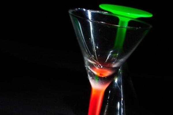 Haz pulido de vidrio artísico y elimina rayaduras con pasta de vidrio esmerilado.