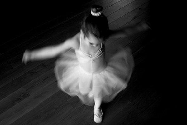 El Lago de los Cisnes contiene muchos saltos de Ballet.