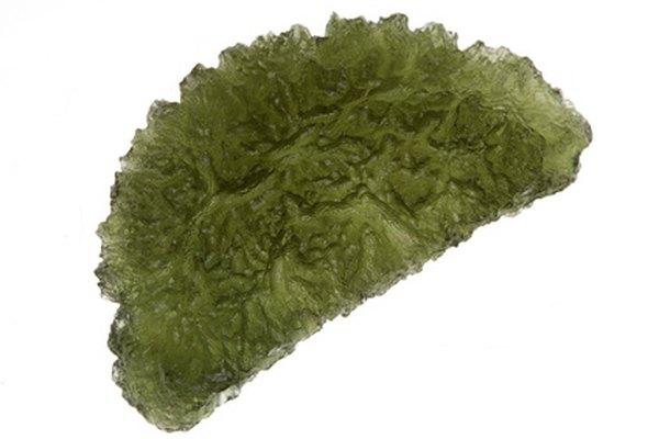 La moldavita se caracteriza por su color verde musgo.