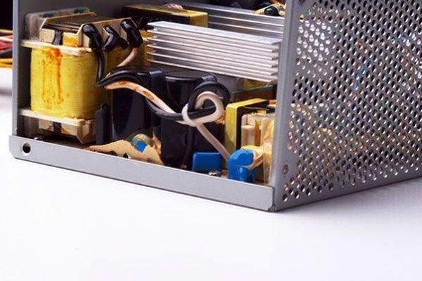 Los transformadores tienen muchos usos, tales como en las fuentes de alimentación.
