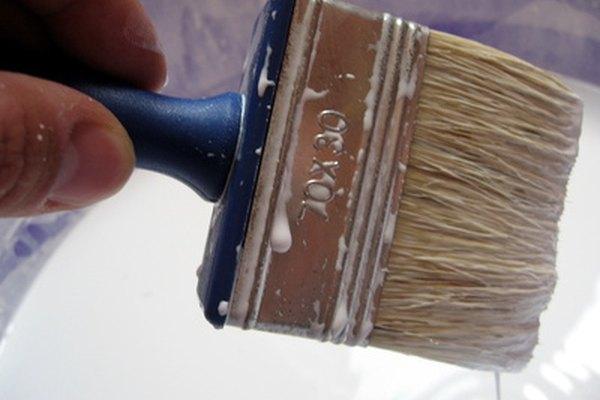 La parafina clorada se utiliza para hacer que las pinturas sean más flexibles y durables.