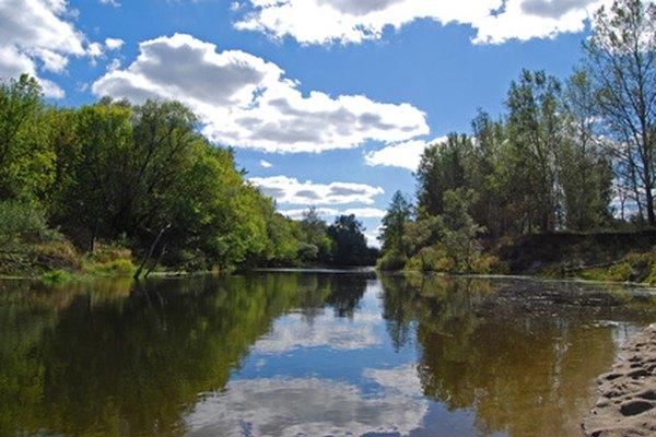 El Brazos es el río más largo de Texas y ofrece muchas oportunidades de pesca y campamento.