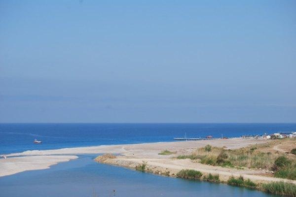 La región mediterránea francesa tiene un clima más cálido que el norte.