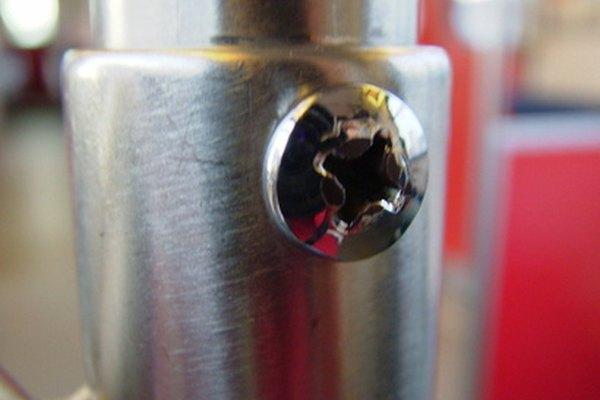 Como todos los aceros, el A36 se compone predominantemente de hierro (98 a 99 por ciento).