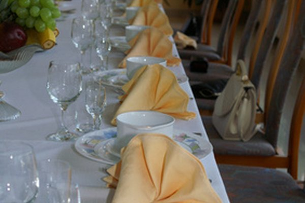 Las cenas de negocios ofrecen a los huéspedes la oportunidad de relacionarse y conocer gente nueva.