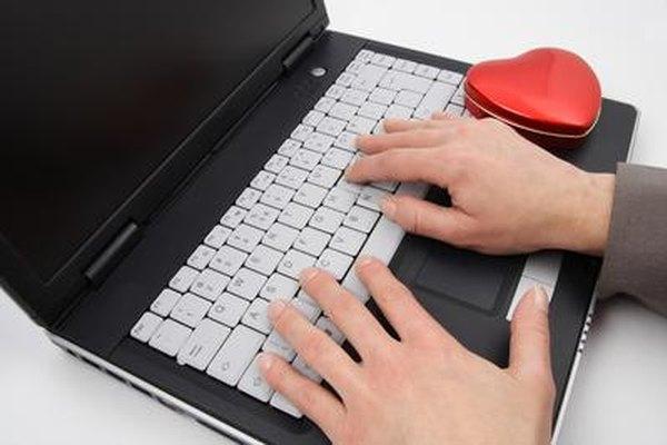 La computadora es una herramienta útil para los investigadores privados.