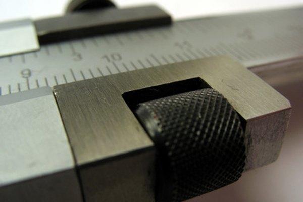 Con unos cuantos pasos sencillos, puedes convertir el calibre de una lámina de acero en grosor dimensional.