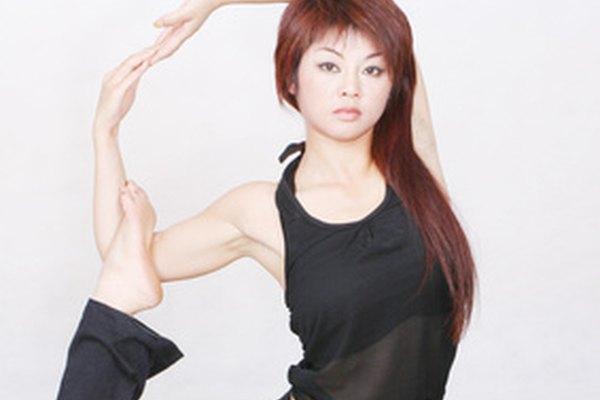 La clase de yoga puede ayudar a mejorar la alineación de baile.