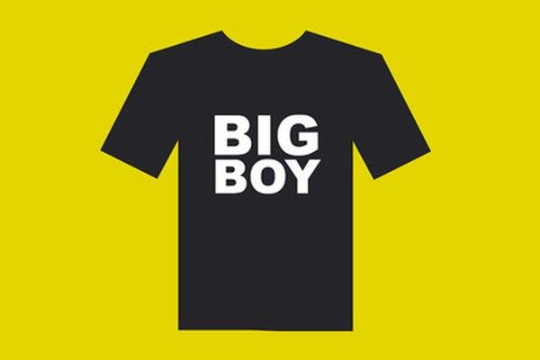 La serigrafía se usa ampliamente para agregar imágenes y textos a las camisetas.