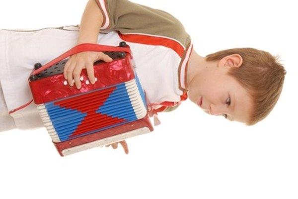A los acordeones de juguete también se los conoce como acordeones a botones.
