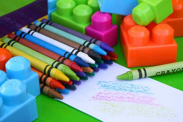 Proyectos de arte de alumnos de 4to grado deben enfocarse en formas, líneas y colores complementarios.