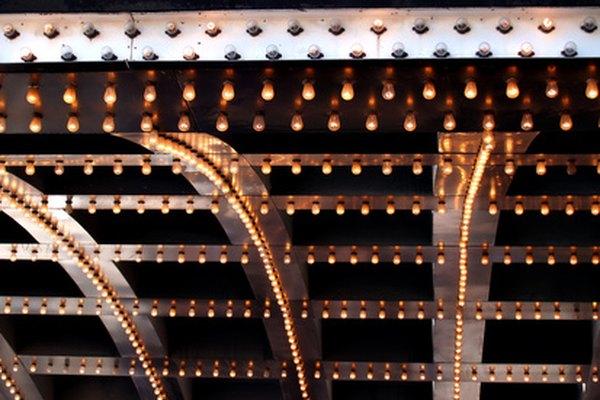 Haz luces de teatro caseras.
