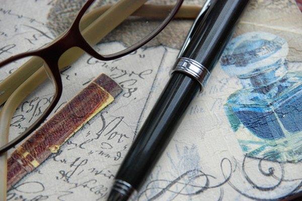 La poesía expresa los pensamientos y emociones del escritor.