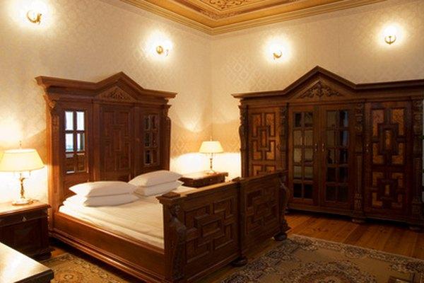 Los estándares van más allá los atributos físicos del hotel para cubrir las expectativas de los huéspedes, como el servicio que se brinda al doblar la ropa de cama.