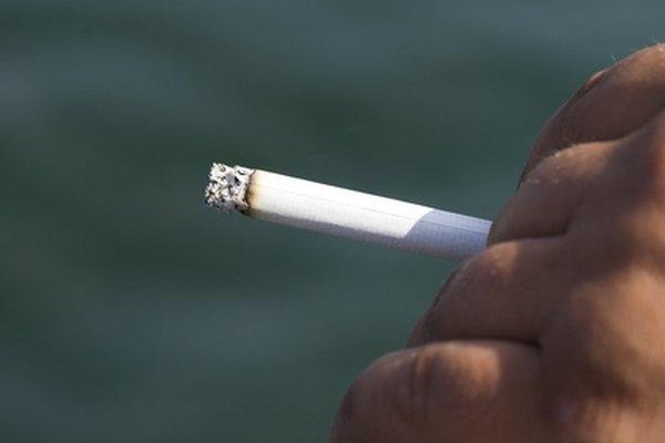 La nicotina causa adicción, cáncer, presión arterial alta y problemas pulmonares.