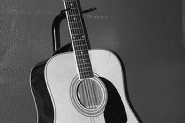 Repara esa vieja guitarra y haz que se vea como nueva.