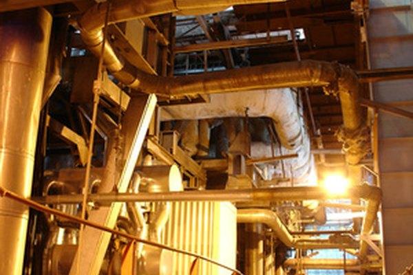 Los hornos de inducción se pueden usar en fundiciones o en fábricas metalúrgicas