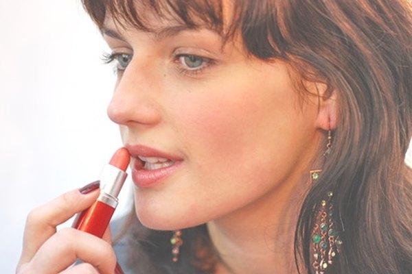 Es importante tener una iluminación apropiada para lograr un maquillaje bonito.