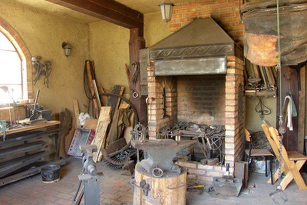 El yunque es la principal herramienta utilizada por los herreros.